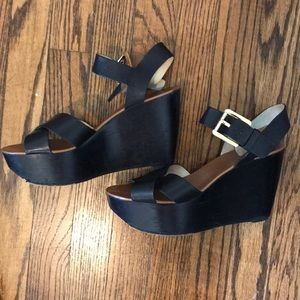 Michael Kors - black wedges with gold buckle